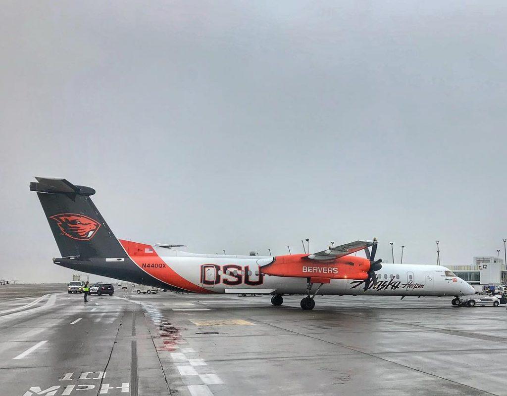 Alaska AIrlines (Horizon) West Coast University Livery Oregon State University Beavers Bombardier Dash 8-Q400