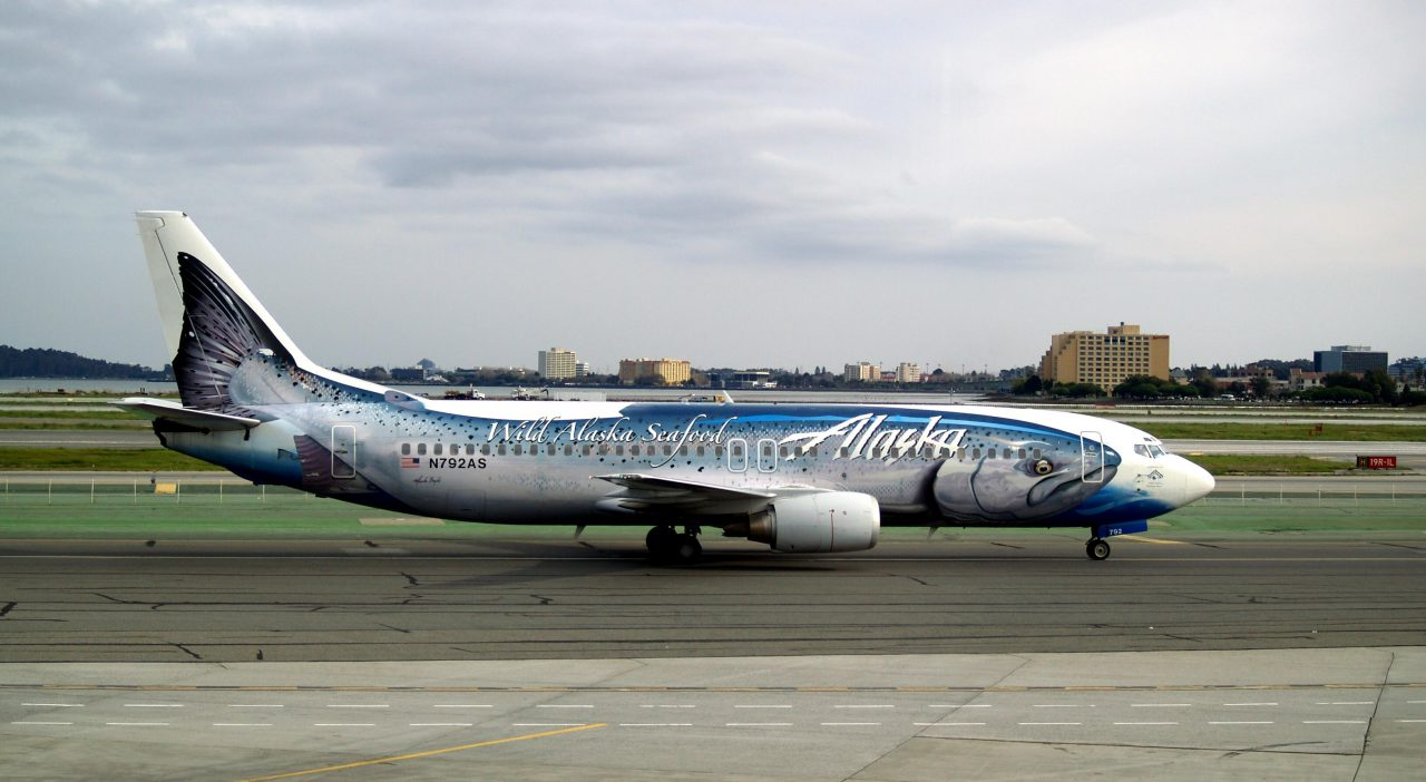 Alaska Airlines Salmon-30-Salmon Boeing 737-490 N792AS
