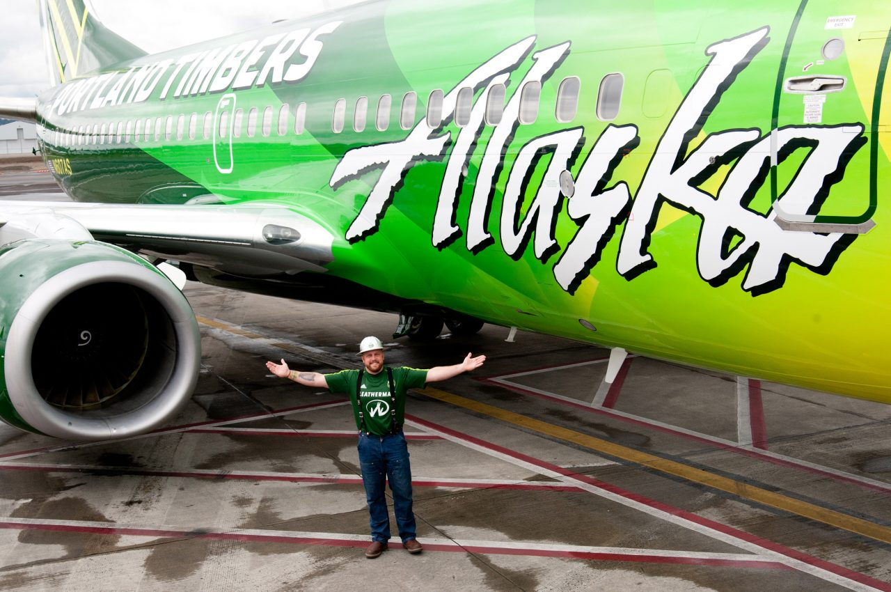 Alaska Airlines Boeing 737-700 Timbers livery with a Timber