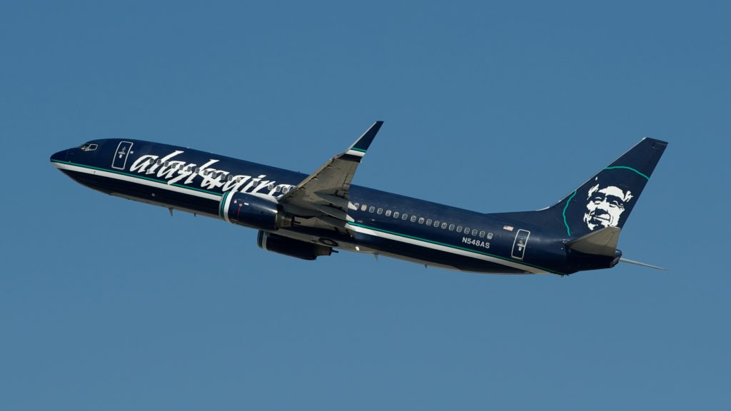 Alaska Airlines Boeing 737-800 N548AS
