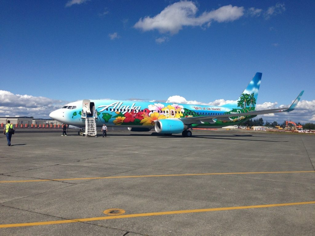 Alaska Airlines Boeing 737-800 Special Livery Spirit of The Islands delivery flight from KPAE to KSEA