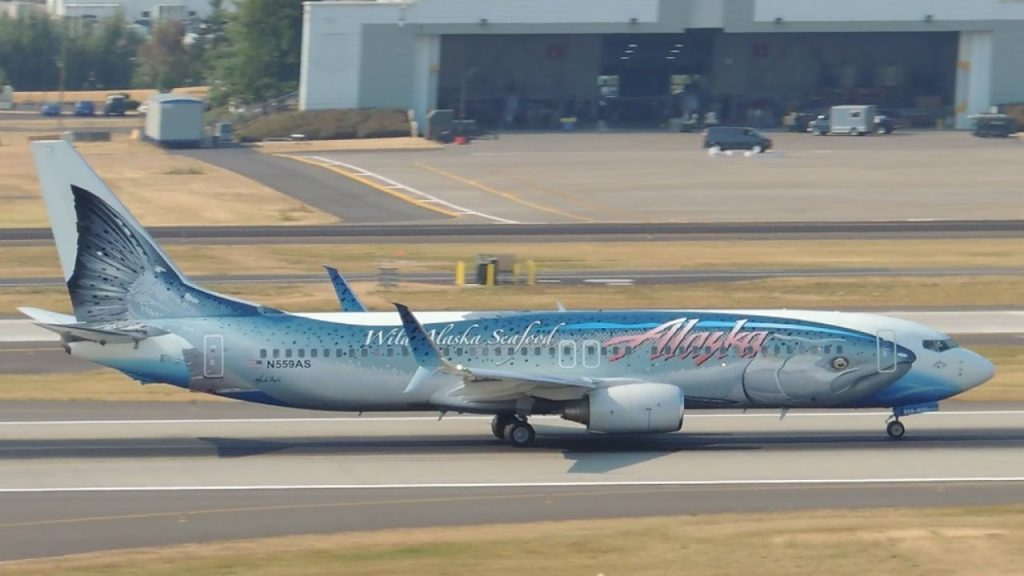 Alaska Airlines Boeing 737-800 Special Livery Salmon Thirty Salmon II [N559AS] takeoff from PDX