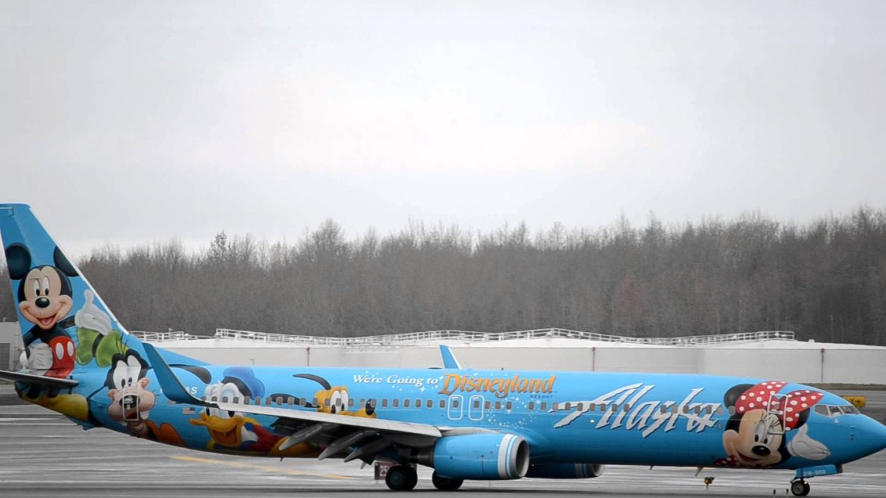 Alaska Airlines Boeing 737-900 Spirit of Disneyland II [N318AS] lands in Anchorage