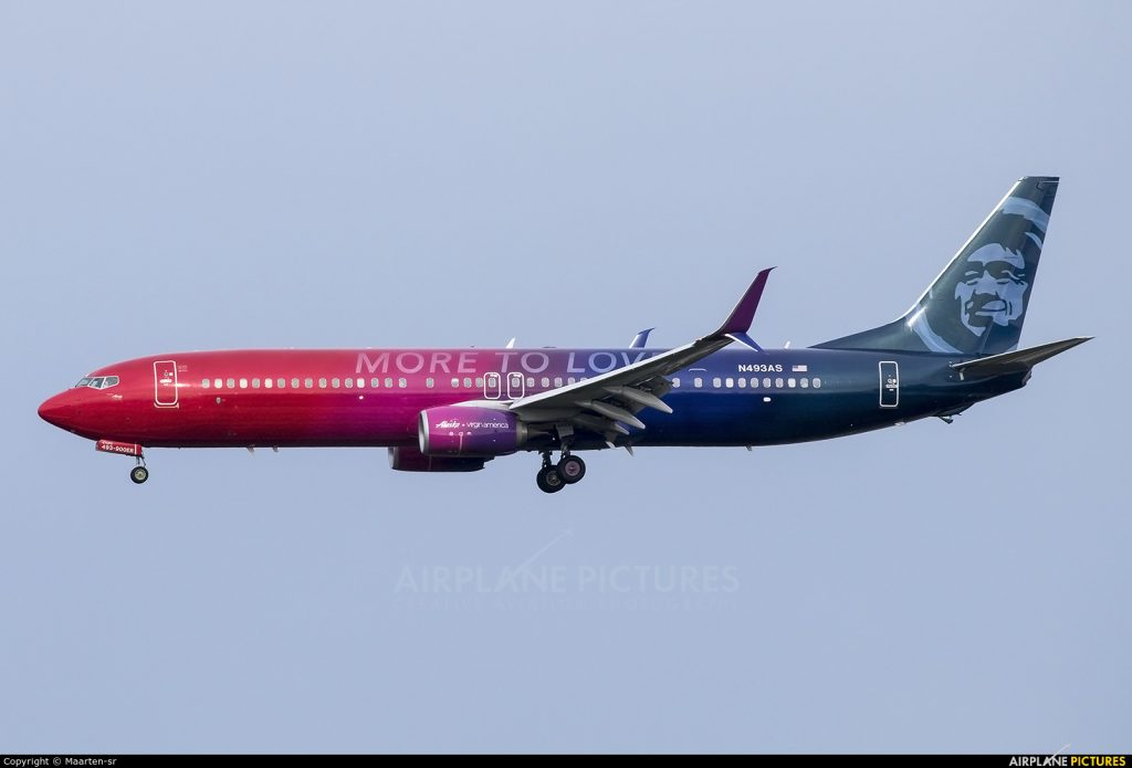Alaska Airlines Boeing 737-900 N493AS special livery