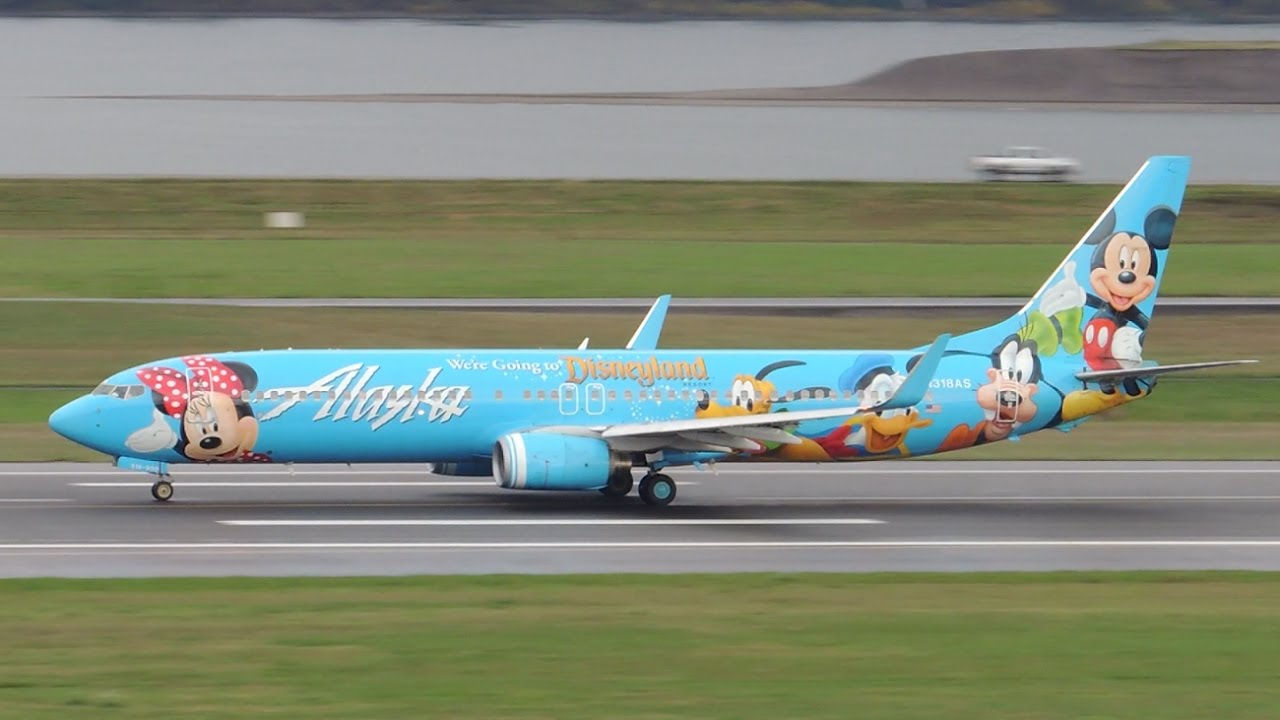 Alaska Airlines Boeing 737-900 Spirit of Disneyland II [N318AS] takeoff from PDX