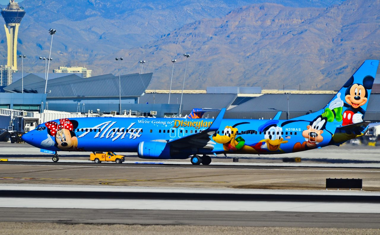 Alaska Airlines Boeing 737-990 N318AS (cn 30018-1326) Spirit of Disneyland Special Livery