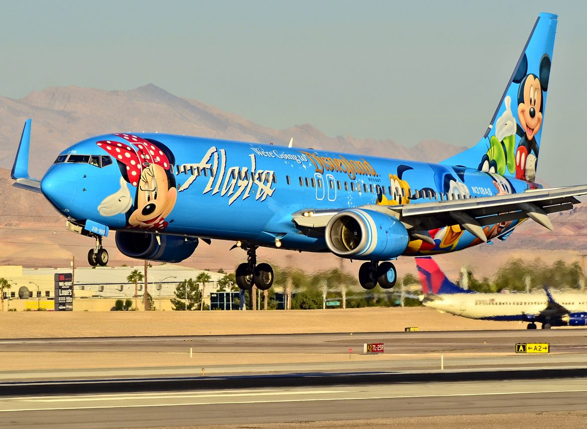 Alaska Airlines Boeing 737-990 N318AS (cn 30018-1326) Spirit of Disneyland