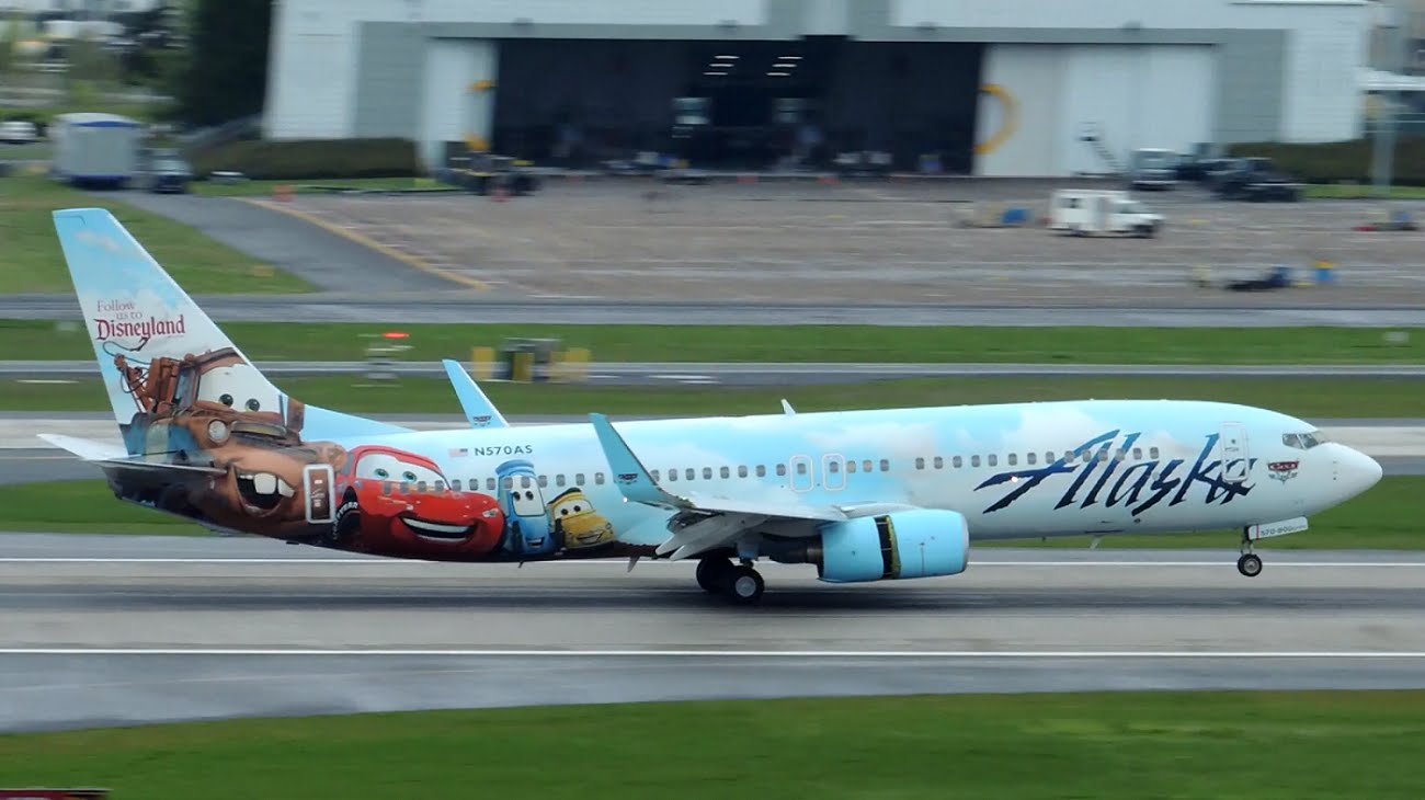 Alaska Airlines Boieng 737-800 Adventures of Disneyland Cars Livery [N570AS] landing in PDX
