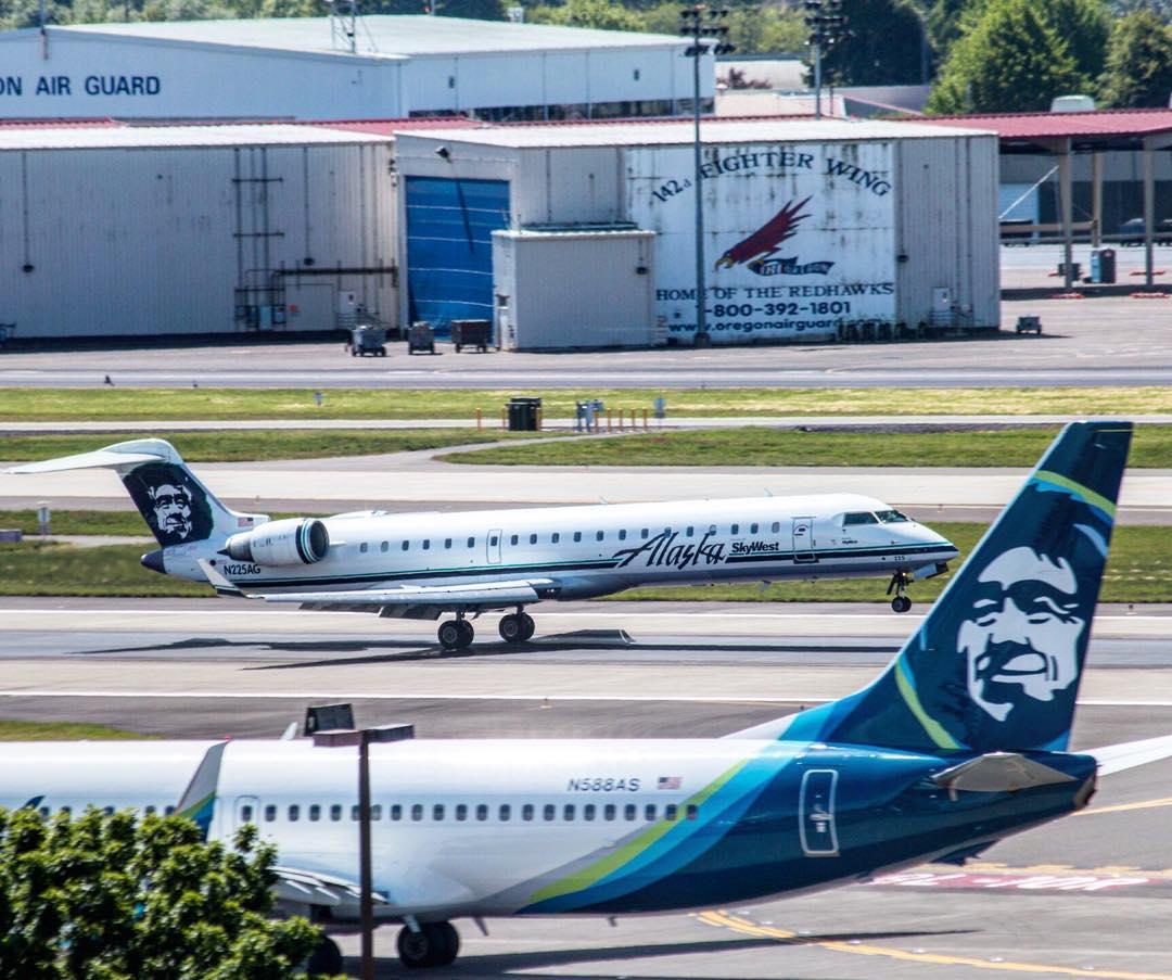 Alaska Airlines Fleet Bombardier Crj 700 Details And