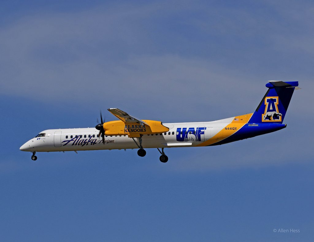Alaska Airlines DHC-8-402 University of Alaska Fairbanks Nanooks Special Livery Painting