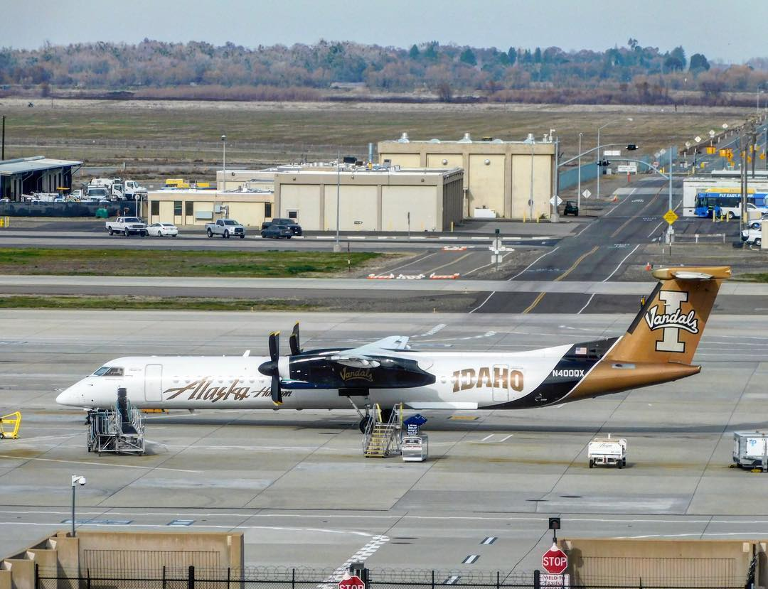 Alaska Airlines (Horizon) Turboprop Fleet Bombardier Dash 8-Q400 University of Idaho Vandals Color Scheme Livery