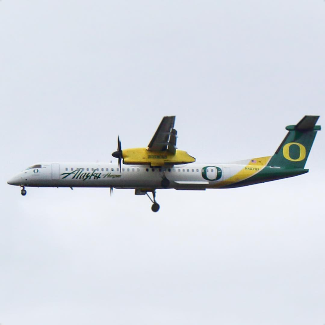 Alaska Airlines (Horizon) Turboprop Fleet Bombardier Q400 on University of Oregon Ducks Special Livery colors