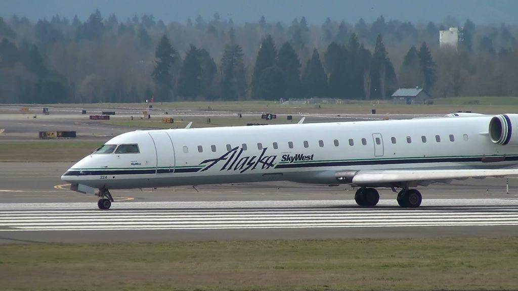 Alaska Airlines (SkyWest) N224AG CRJ-700 Takeoff Portland Airport (PDX)