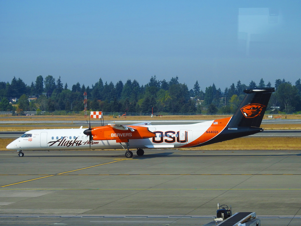 Alaska Horizon Air – Bombardier Dash 8 Q400 N440QX - Oregon State University (OSU) Beavers @ Seattle Tacoma
