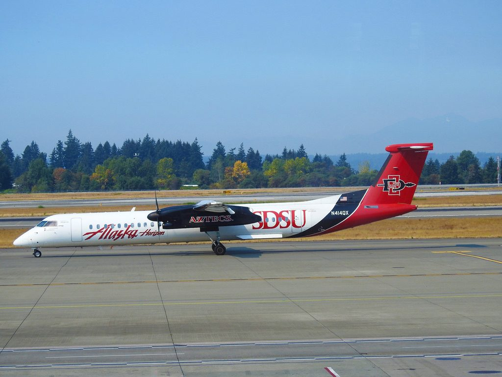 Alaska Horizon Air – Bombardier Dash Q 8 400 N414QX - SDSU Aztecs Livery @ Seattle Tacoma