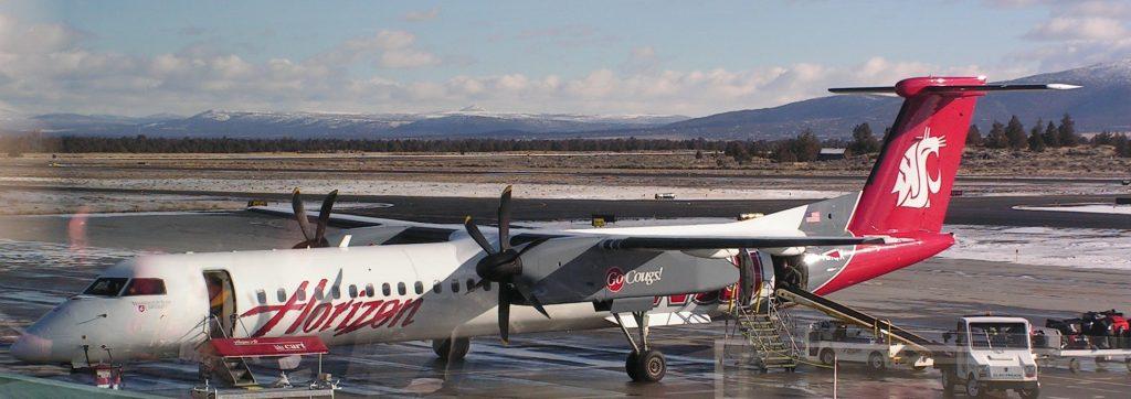 Alaska Horizon Air De Havilland Bombardier Q400 in unique WSU Cougars livery