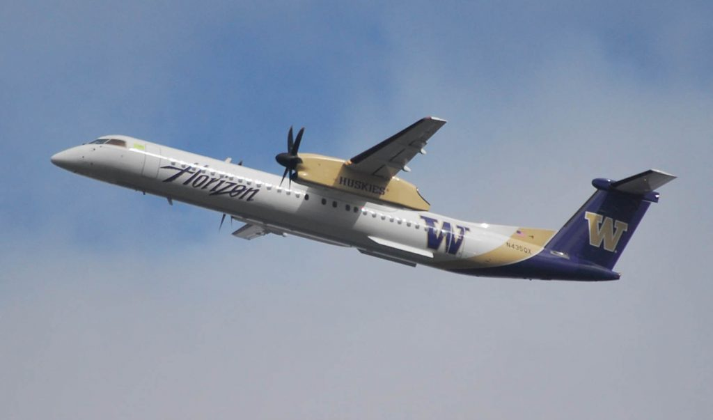 Alaska Horizon Air Q400 in University of Washington Huskies Livery