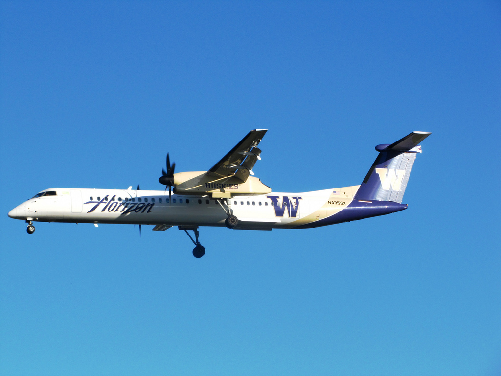 Alaska (Horizon Air) West Coast Universities Colors Schemed N4735QX Bombardier Dash 8-Q400 University of Washington Huskies