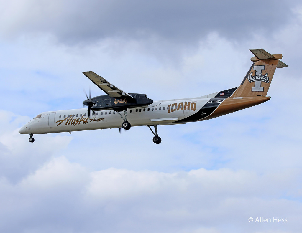Alaska (Horizon) Aircraft Fleet Bombardier Q-400 University of Idaho Vandals Special Livery