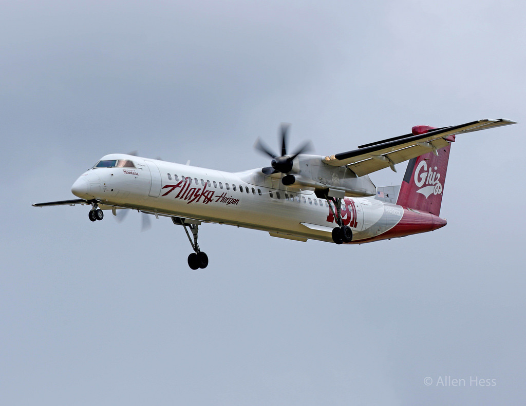 Alaska Airlines Bombardier Dash 8-Q400 University of Montana Grizzlies Livery