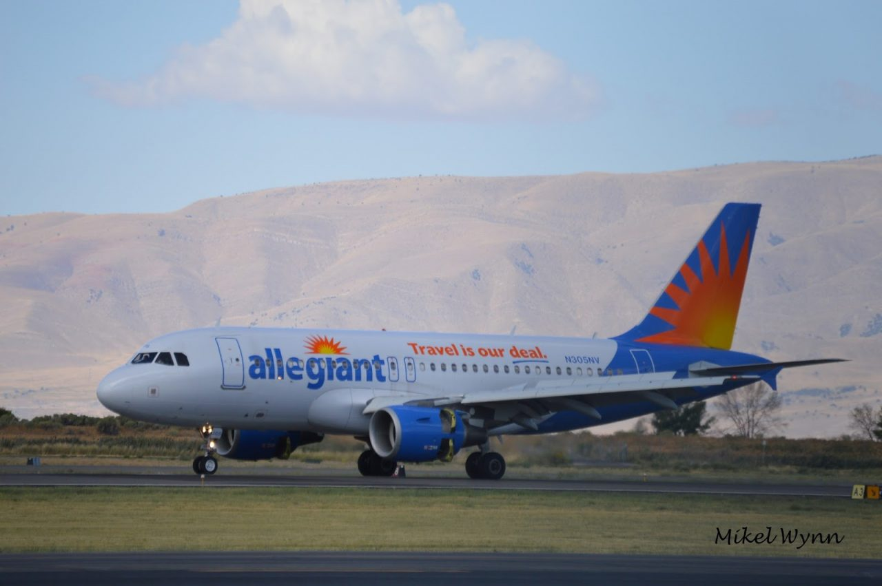 Allegiant Air Airbus A319-111 (N305NV) arriving on 13 as AAY132 from Phoenix-Mesa, this time on regular scheduled service @Mikel Wynn