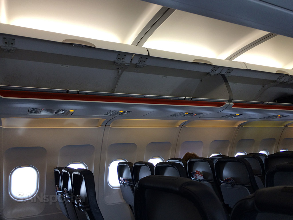 Allegiant Air Airbus A319-111 Overhead Bins Design photos @SANspotter