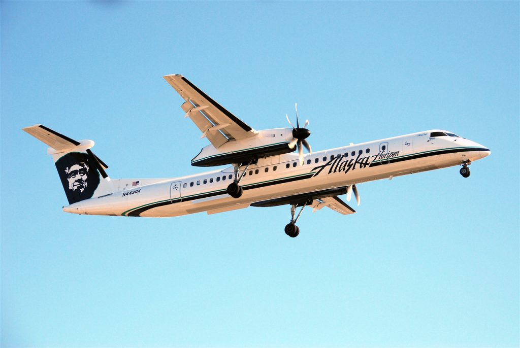 Bombardier Dash 8-Q400 Alaska Airlines Horizon Air Aircraft