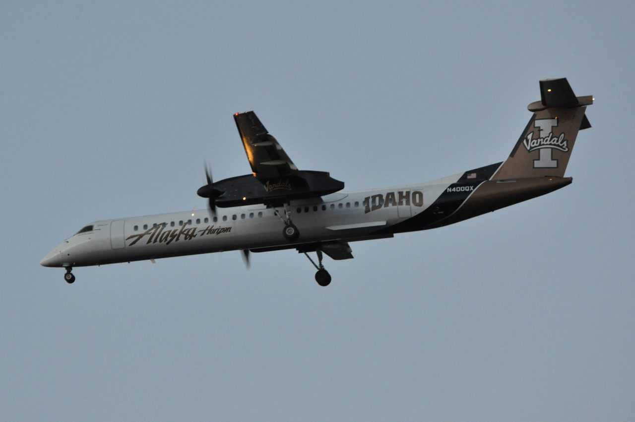 Bombardier Dash 8-Q400 N400QX sporting the Idaho Vandals livery is part of Horizon Airlines (Alaska) collegiate series livery