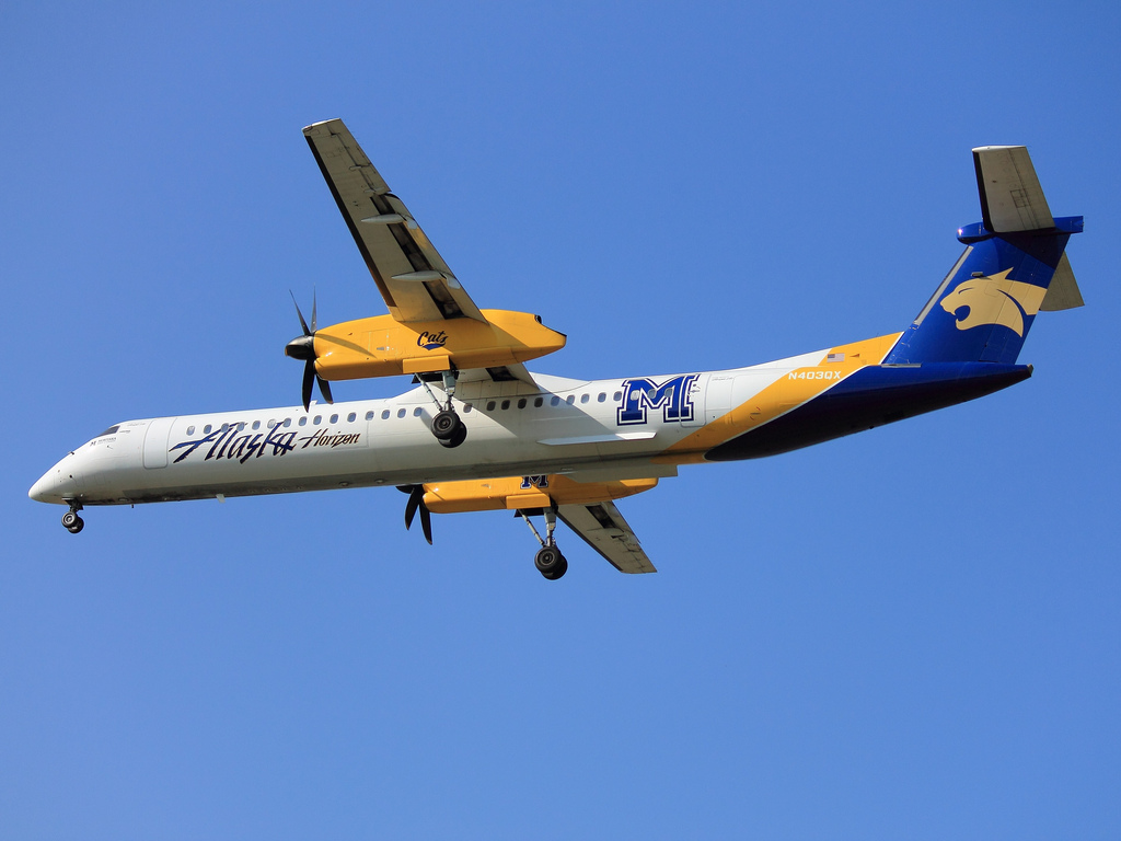 Montana State University Bobcats - Alaska Airlines (Horizon Air) De Havilland Canada DHC-8-401Q Dash 8