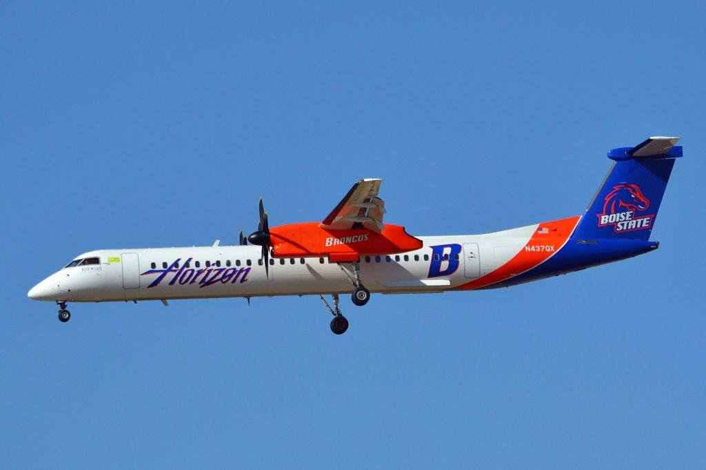 N437QX - Alaska Horizon Dash 8-Q400 Boise State Broncos colors