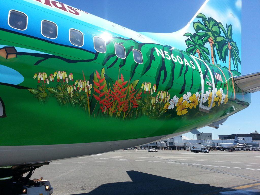 N560AS Alaska Airlines 737-890 Spirit of the Islands