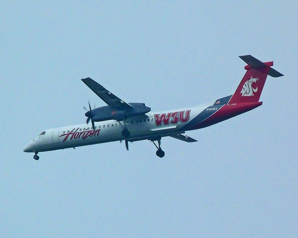 The WSU Cougars Livery on a Horizon Air (now Alaska Air) Bombardier DHC-Q400