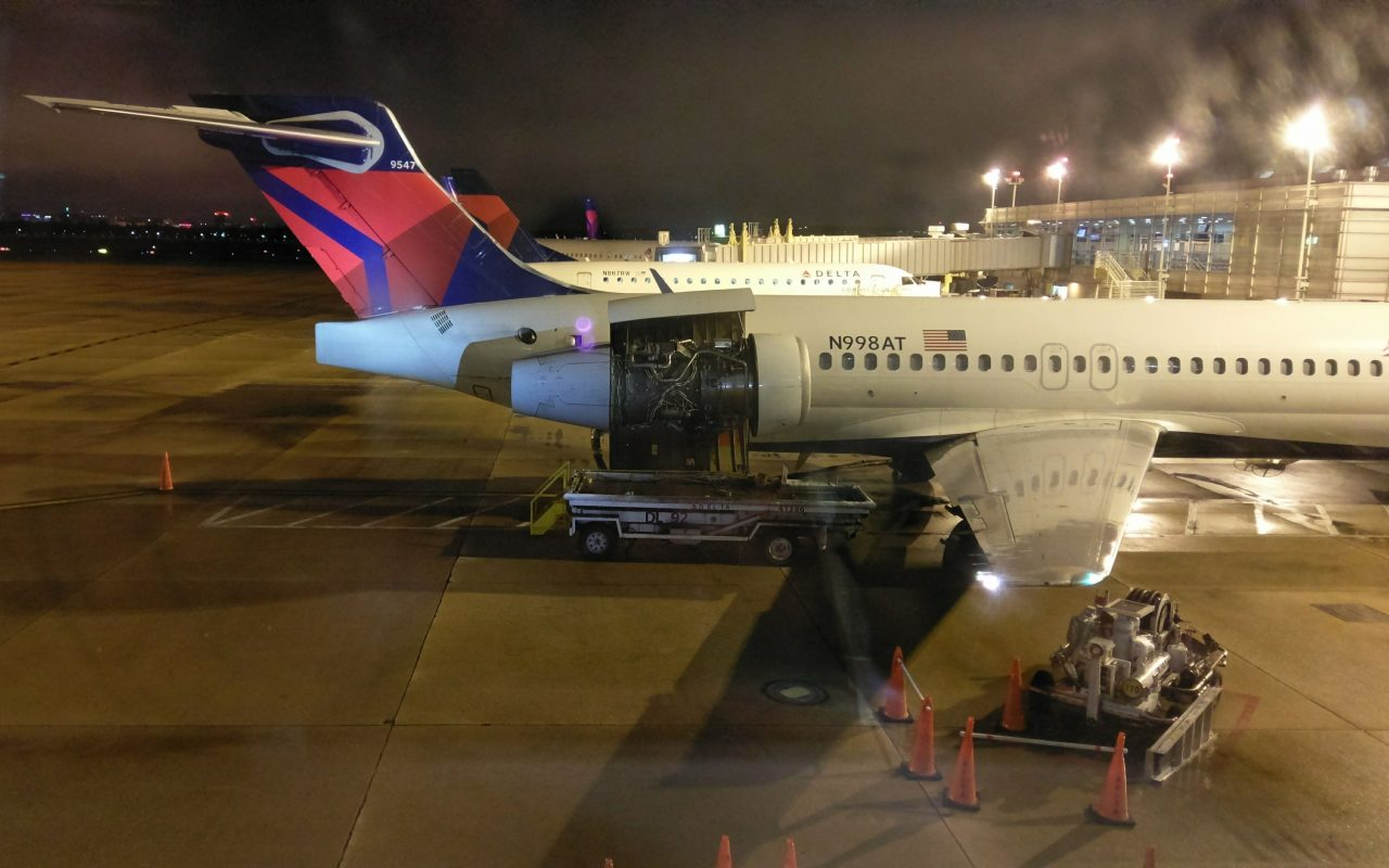 15yr old Boeing 717-200 N998AT Delta Air Lines undergoing overnight engine maintenance in DC Ronald Reagan Washington National Airport