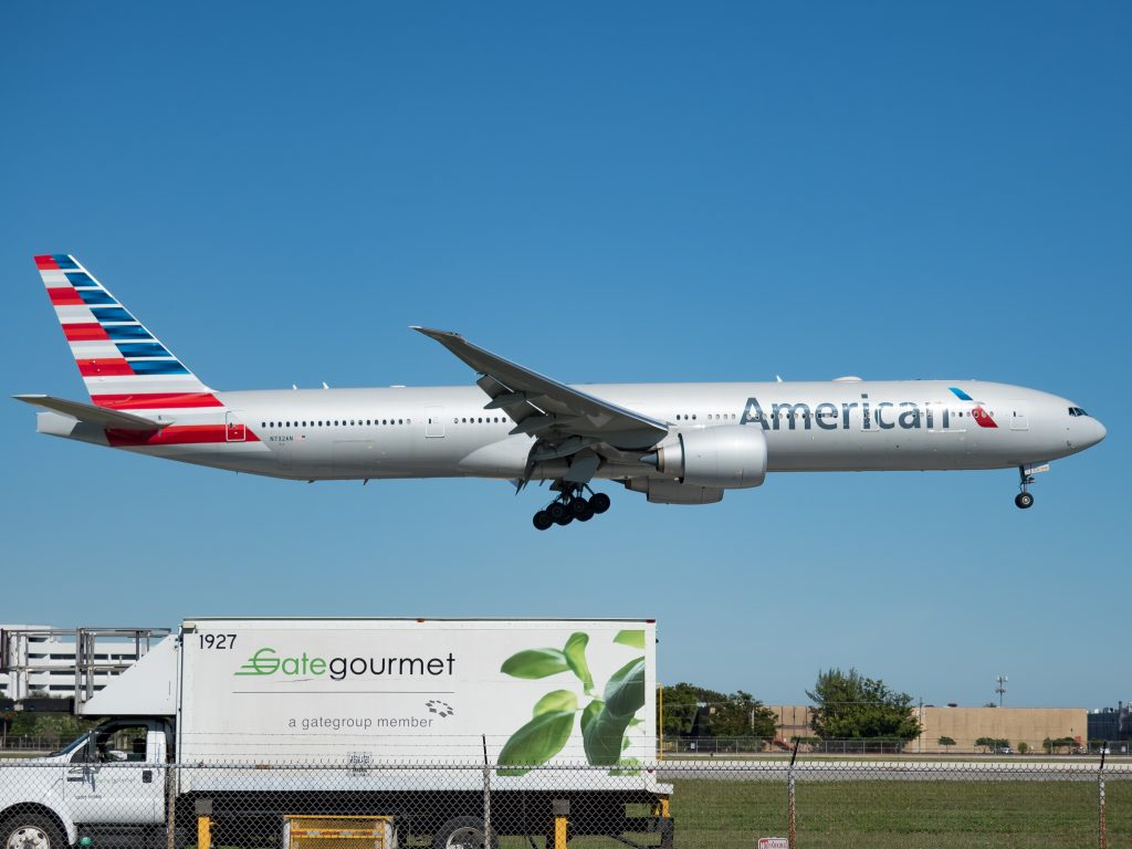 AAL931 American Airlines 777-300ER B77W N732AN Miami International Airport