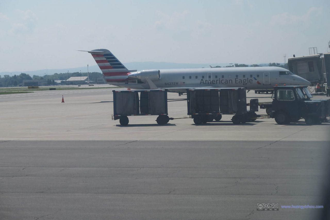 Air Wisconsin (American Eagle) CRJ-200 N427ZW At the Gate @huangyizhou.com