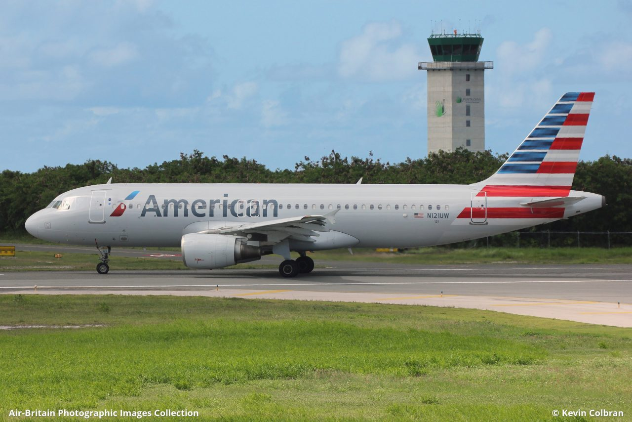 Airbus A320-214 · American Airlines (AA : AAL) · Punta Cana International (PUJ : MDPC), Dominican Republic @Kevin Colbran