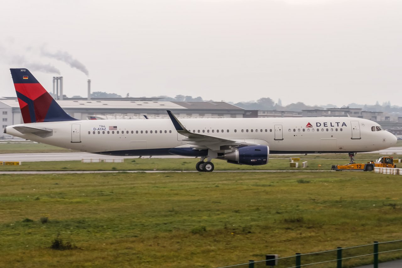 Airbus A321-211SL with sharklets for Delta Air Lines (D-AYAZ - N312DN) @ Airbus factory Hamburg Finkenwerder (EDHI - XFW)