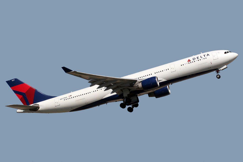 Airbus A330-323X Delta Air Lines Fleet N817NW Barcelona El Prat (LEBL:BCN) Airport