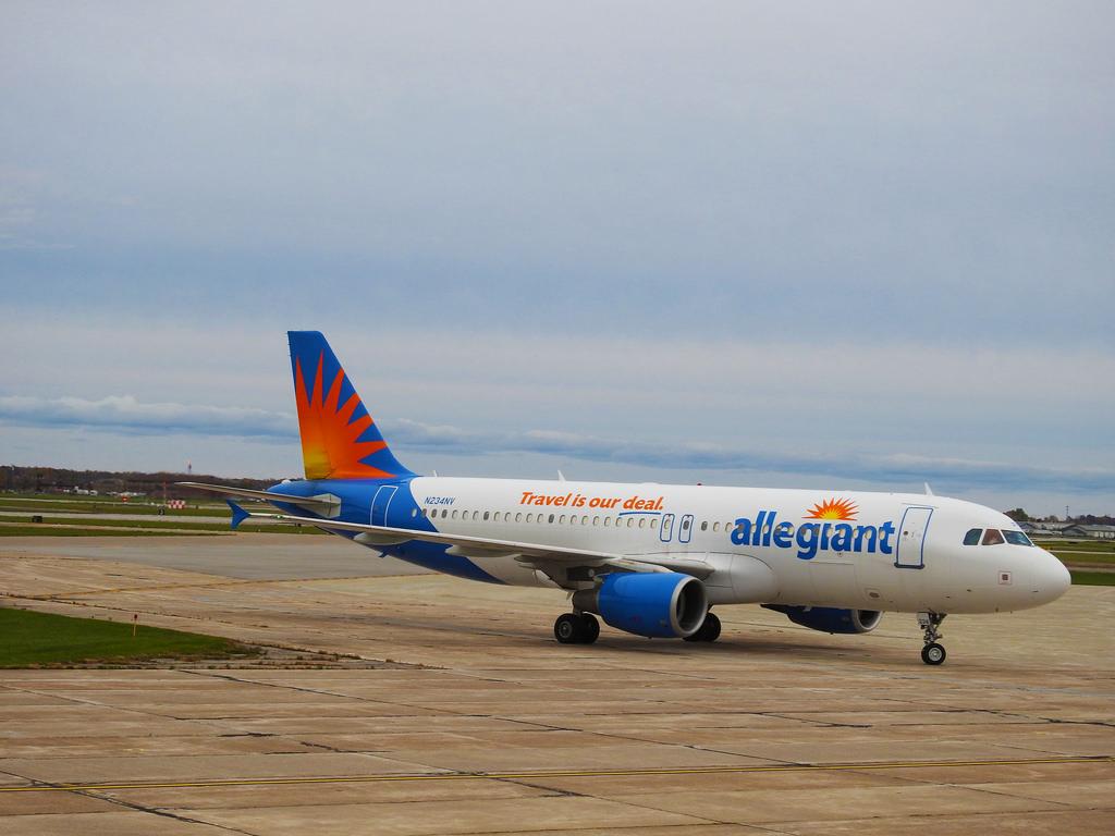 Allegiant Air – Airbus A320-214 N224NV @ Niagara Falls