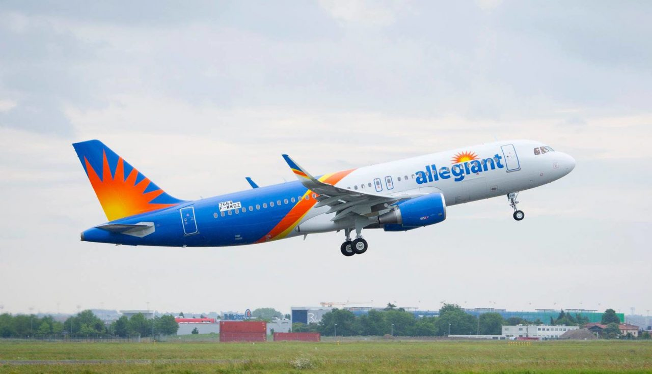 Allegiant Air Airbus A320-200 Take Off Photos