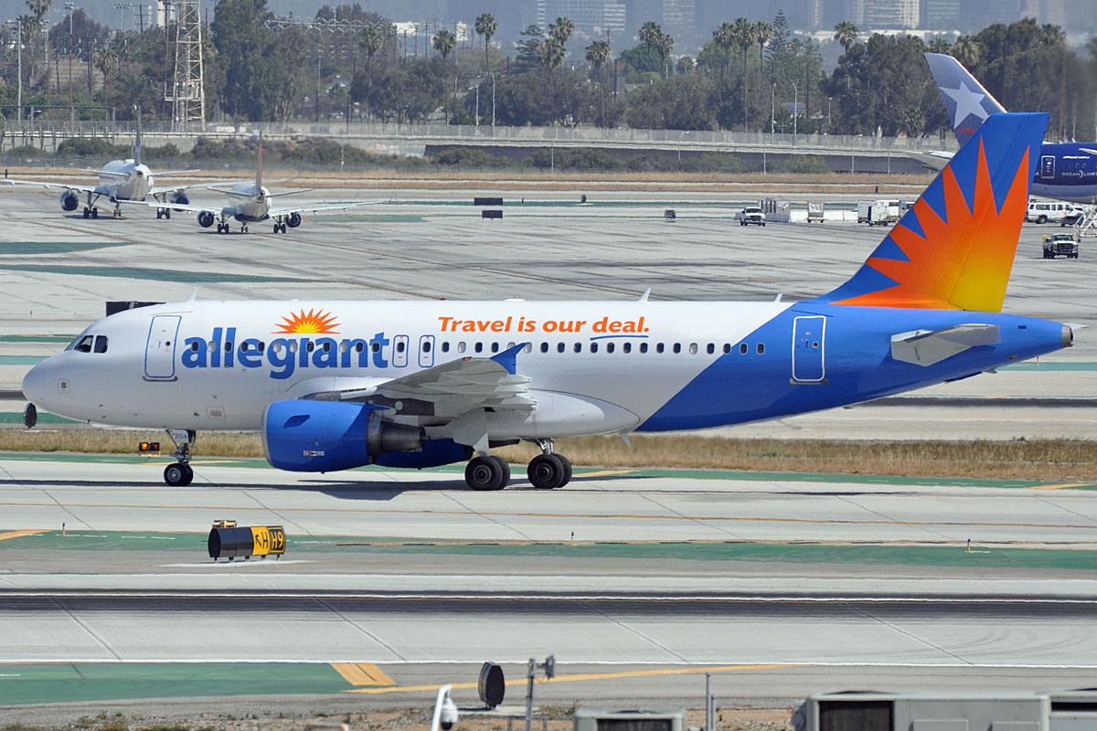Allegiant Air Airbus A320 Taxiing