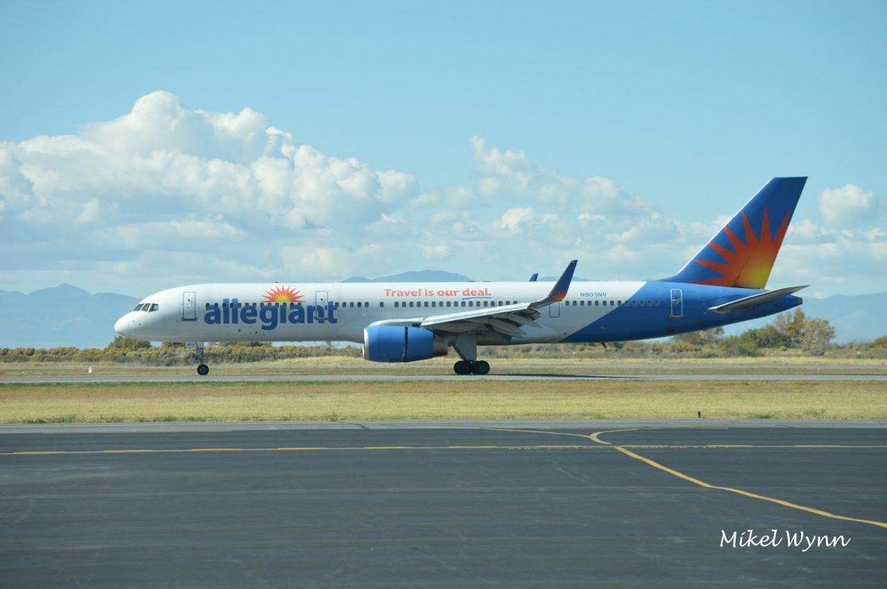 Allegiant Air Boeing 757-204 (N905NV). Airframe was first delivered to Britannia Airways in February 1994 as G-BYAO @Mikel Wynn