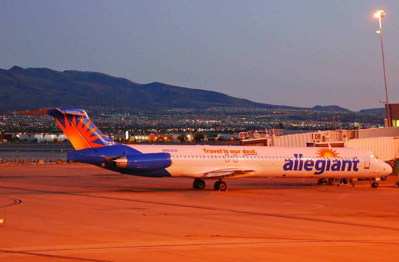 Allegiant Air MD 83; N863GA@LAS