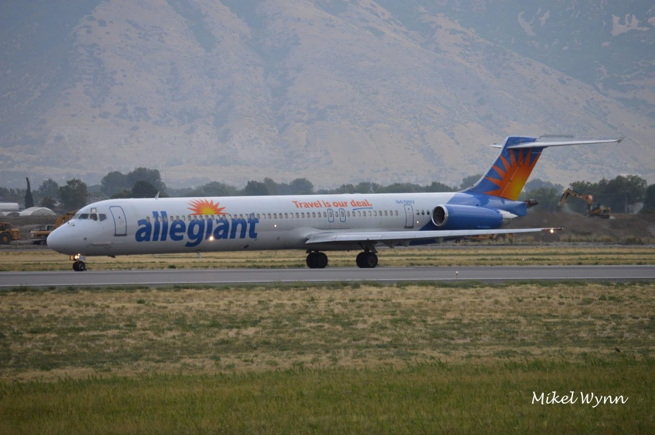Allegiant Air McDonnell Douglas MD-83 (N419NV) back-taxiing on 13 prior to departure for Oakland as AAY1005 @Mikel Wynn