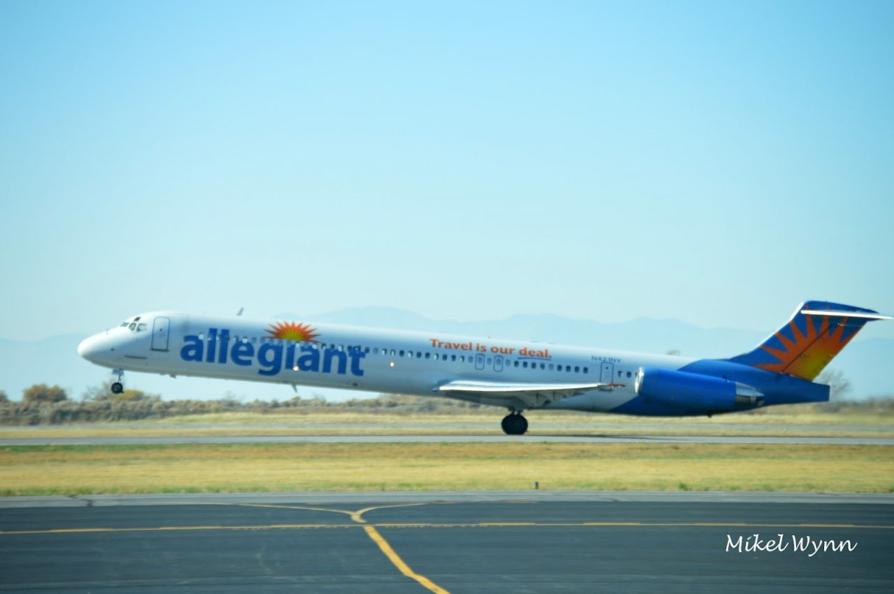 Allegiant Air McDonnell Douglas MD-83 (N421NV) rotating on 13 for departure to San Jose as AAY4102 @Mikel Wynn
