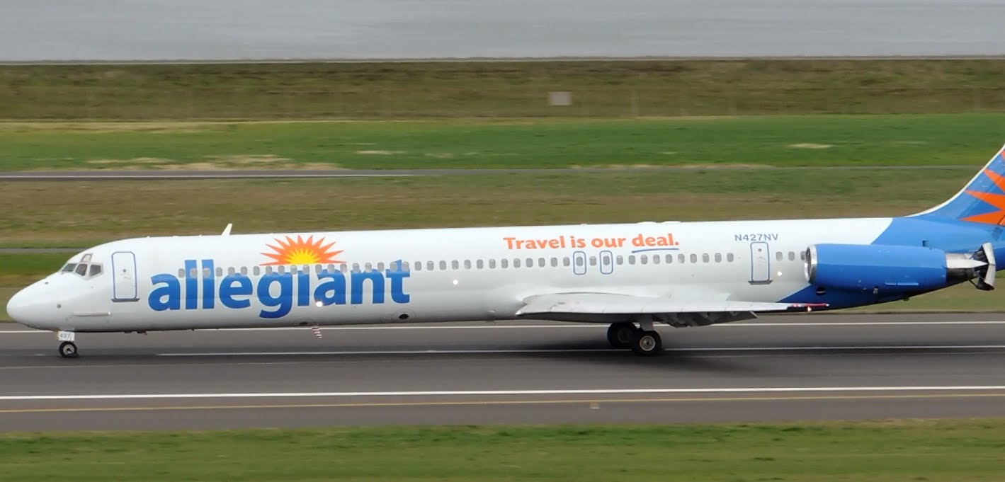 Allegiant Air McDonnell Douglas MD-83 [N427NV] landing in PDX