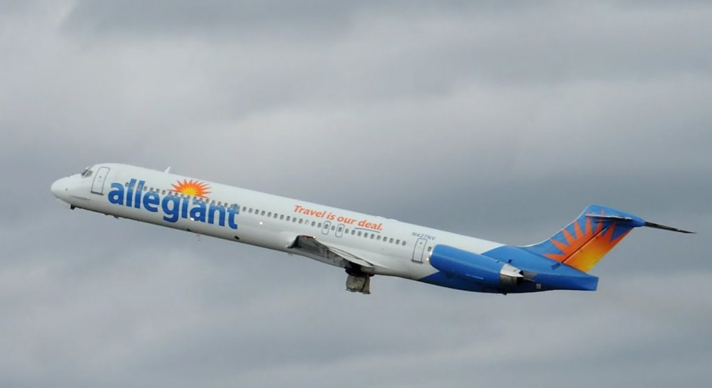Allegiant Air McDonnell Douglas MD-83 [N427NV] takeoff from PDX