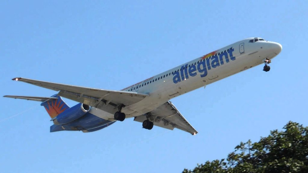 Allegiant Air McDonnell Douglas MD-88 [N403NV] landing in LAX