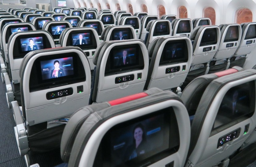 American Airlines 787-8 dreamliner main cabin extra flight entertainment screens