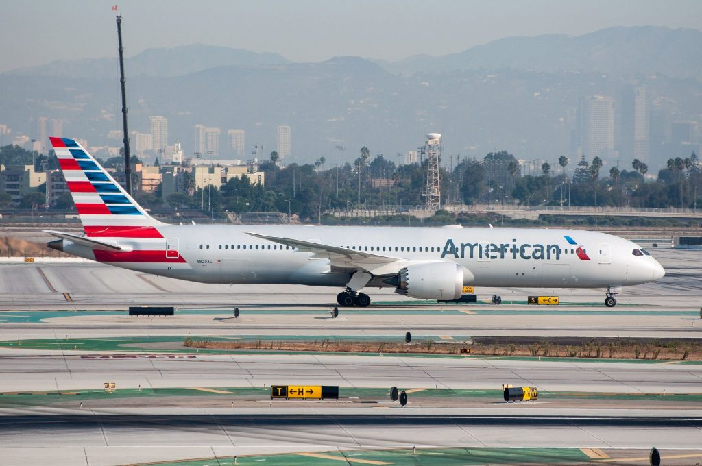 American Airlines 787-9 Dreamliner at LAX